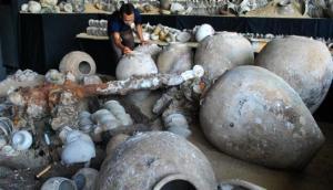 Keramik Harta Karun Indonesia